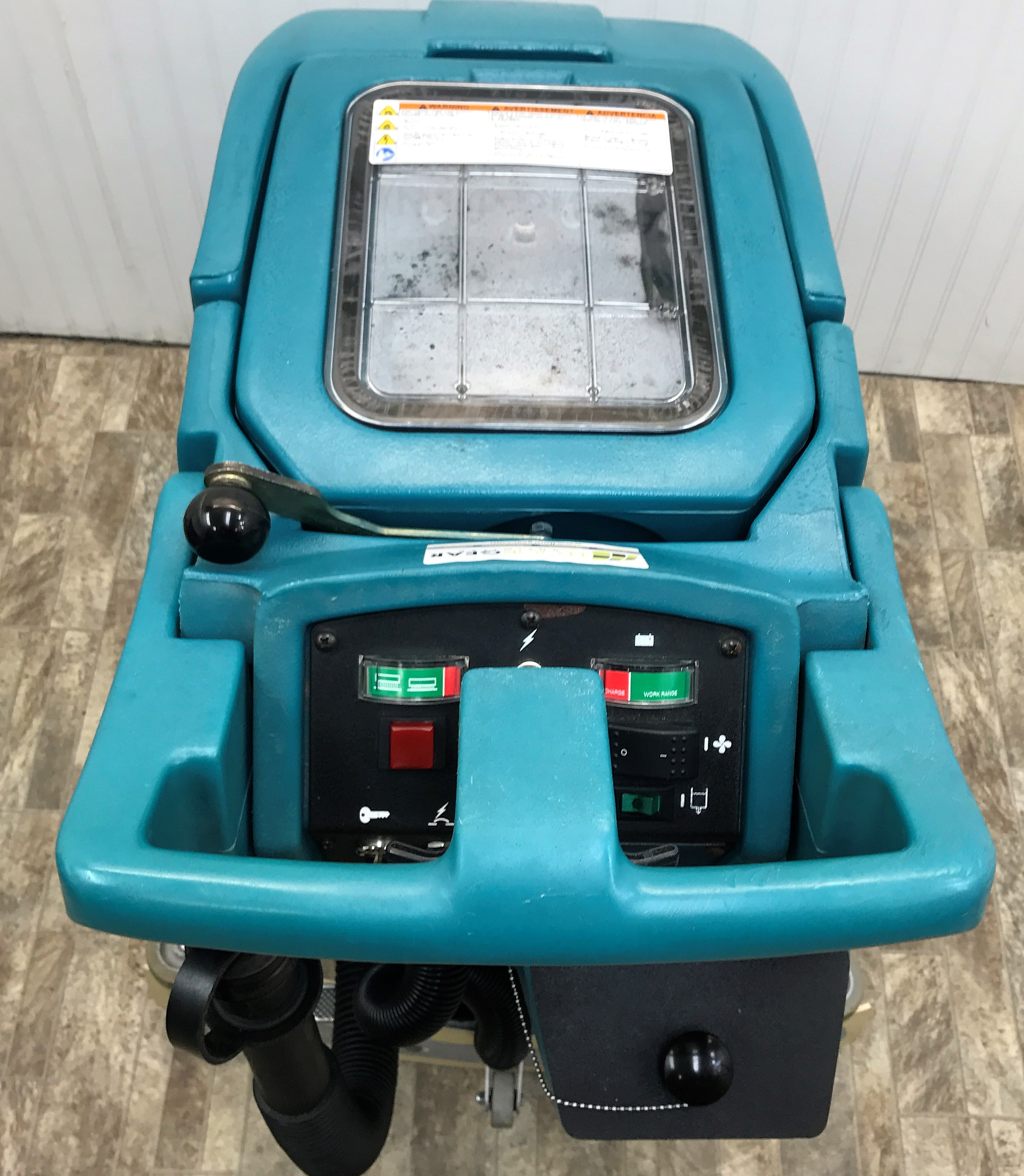 Reconditioned tennant 5100 17 inch floor scrubber for 17 floor scrubber